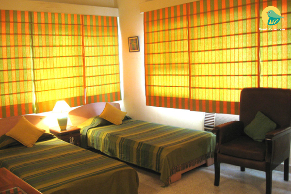capacious stay with centrally located place in kolkata