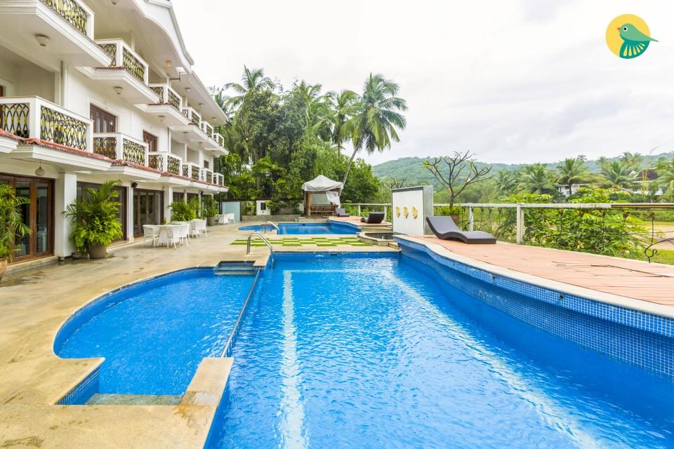 Elegant room for three, near Club Cubana