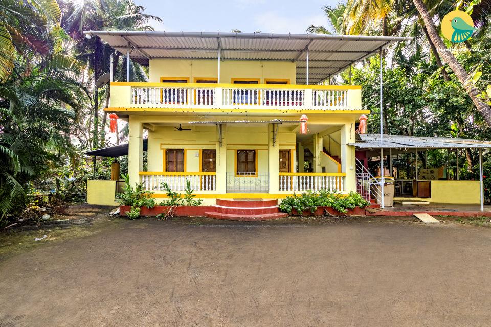 An exclusive 9 bedroom beachside homestay