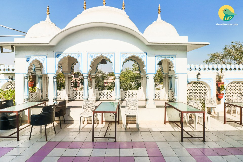 Charming stay for three, 1 km from Rajput Palace
