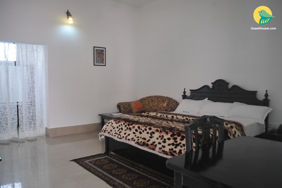 Well-appointed stay for 3, near Bharatpur Bird Sanctuary