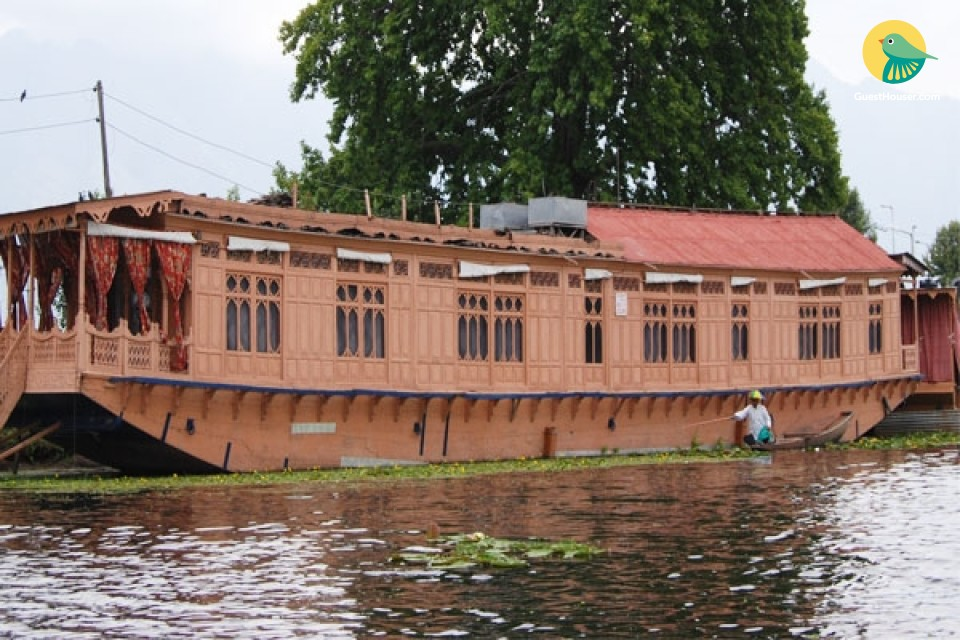 Houseboat For Group stay