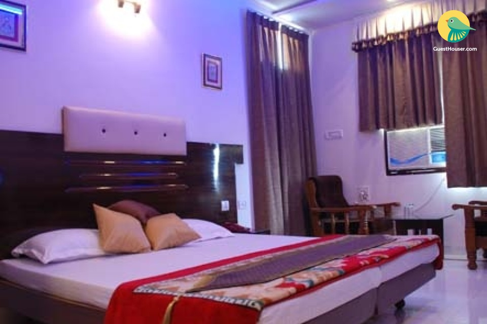 Guesthouse stay for three