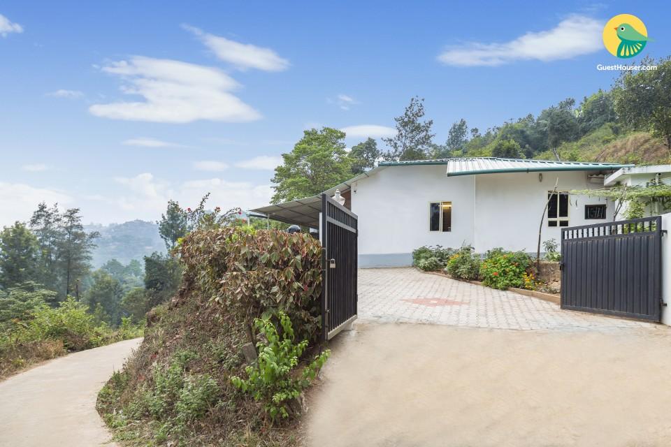 Idyllic retreat nestled in greenery, close to Madikeri Fort
