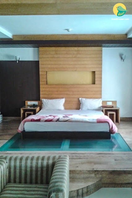 Stay in Greater Kailash- Delhi