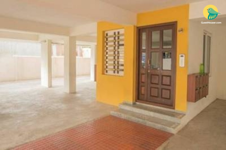 1 BHK apartment near airport