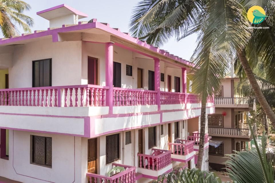 Cheerful stay for three, close to Arambol Beach