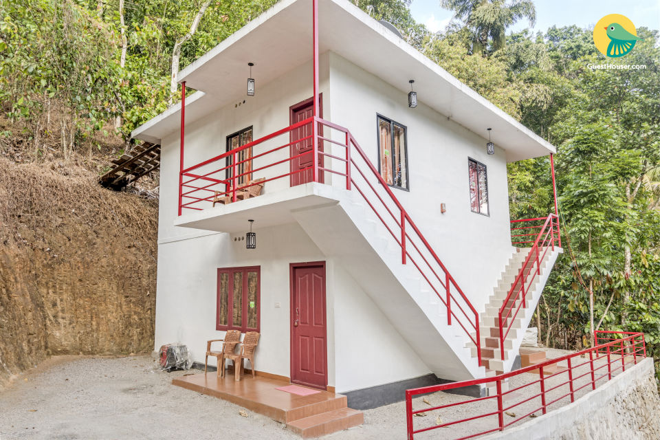 Rejuvenating abode for groups, amidst lush greenery