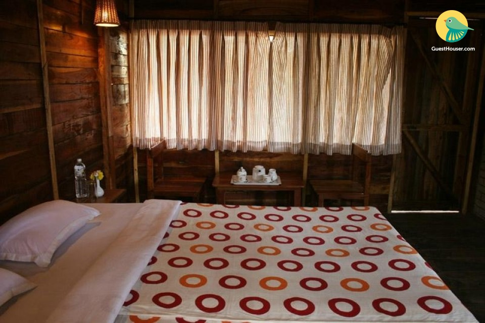 Wooden Machaan available to Stay