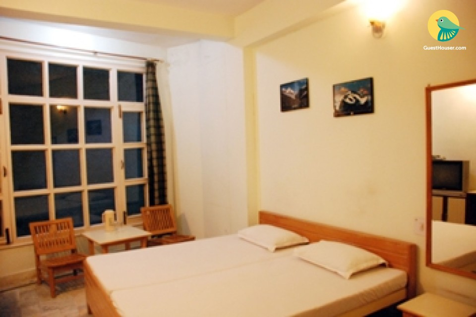 A Clean and comfortable room in a nice location