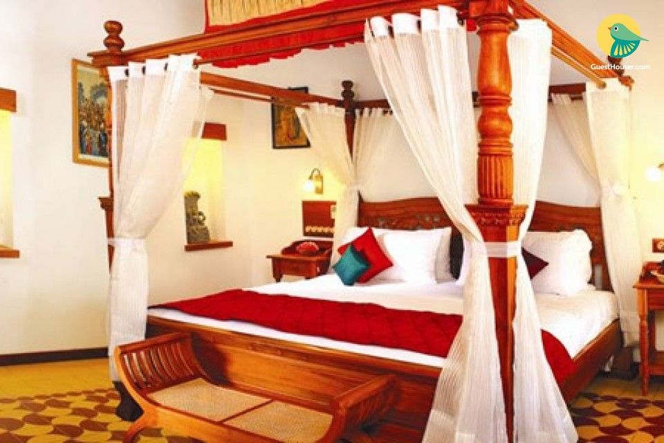 Elegant Room in Heritage Villa for relax stay