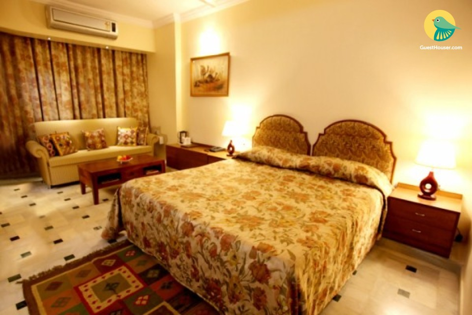 Luxurious and Sumptuos Stay in Suite room