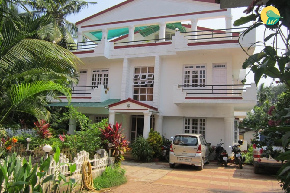 Homely vacation for a couple, 850 m from Calangute Beach