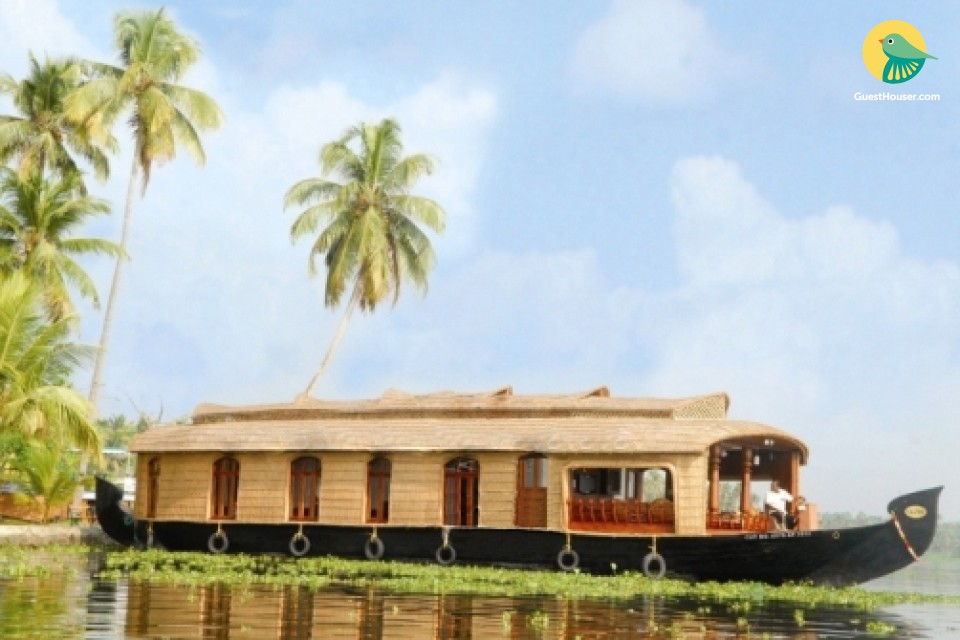 Stay in 2 Bedroom Houseboat in Alappuzha