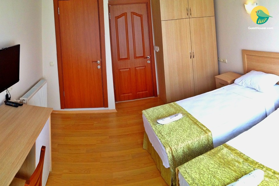 A well furnished room Close to Grand Bazaar