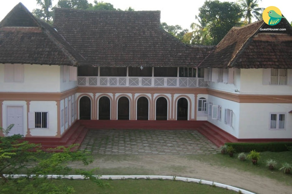 4-bedroom Tharavad for group stay