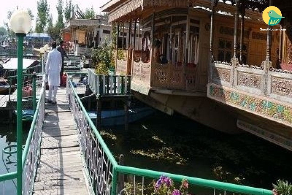 5 Bedroom Houseboat for comfortable stay