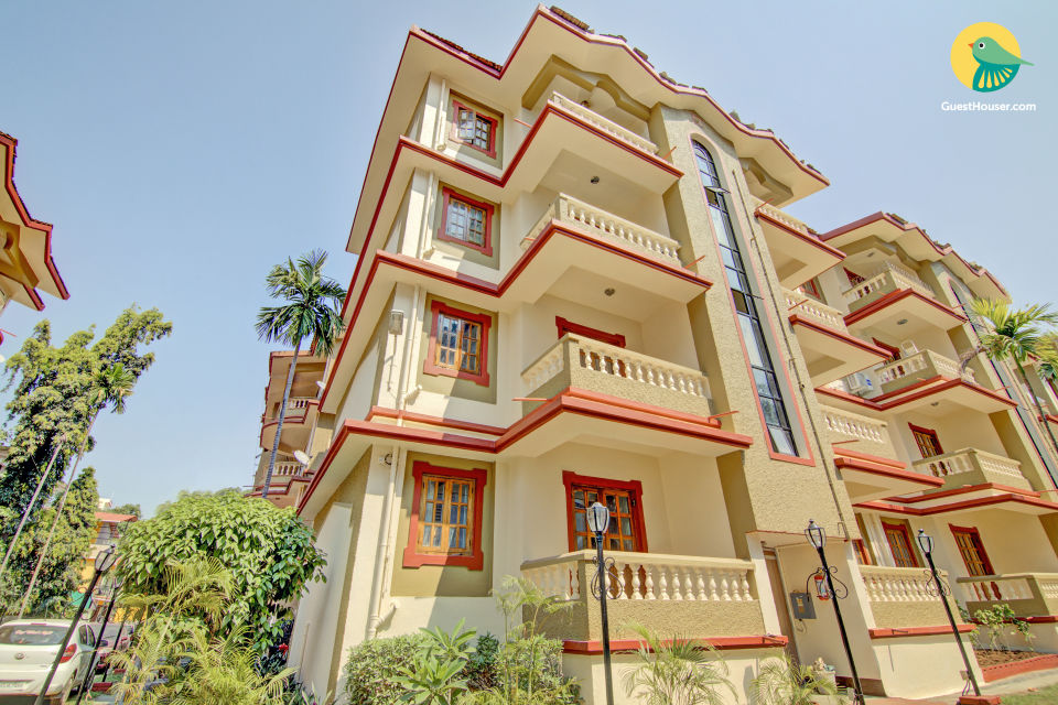 1 BHK with a pool, 900 m from Candolim Beach
