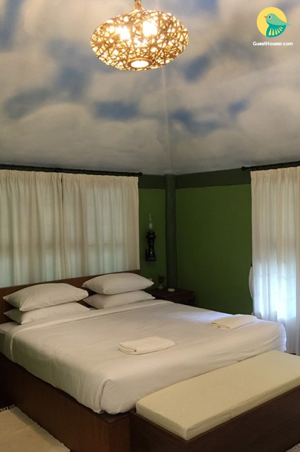 stay in a decent 1 bedroom villa
