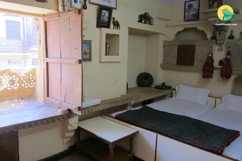 Charming room for three, near Patwon Ki Haveli