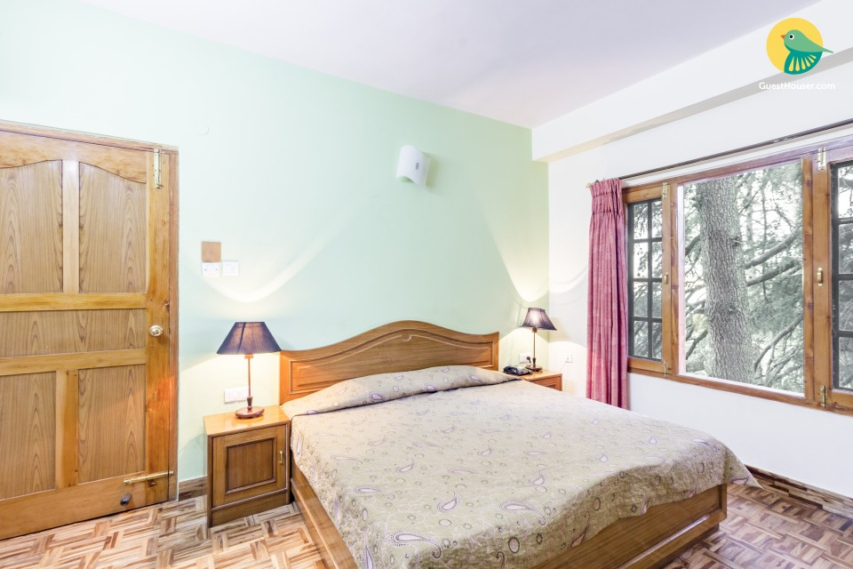 Well-furnished stay for two, close to Christ Church