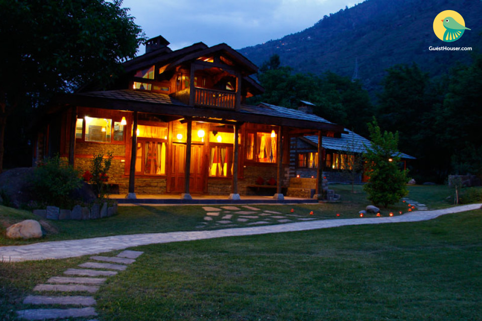 Quaint 2-BR villa on the banks of River Beas