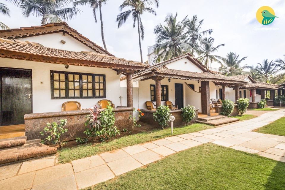 Idyllic boutique room for 3, 300 m from Candolim Beach