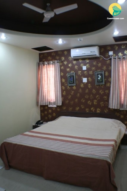 Standard room to stay In Porbandar