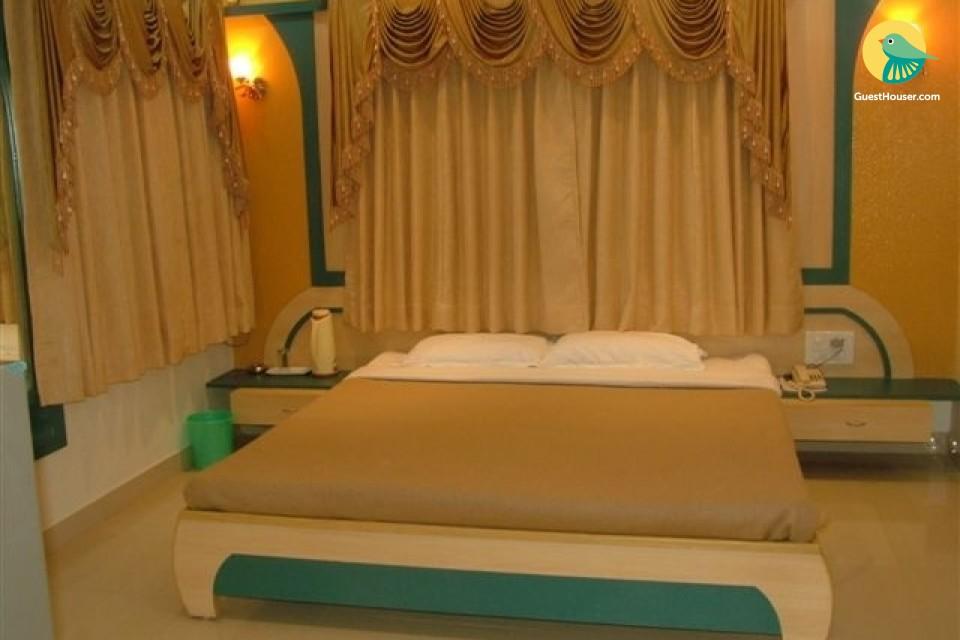 Luxurious Room in Dawarka