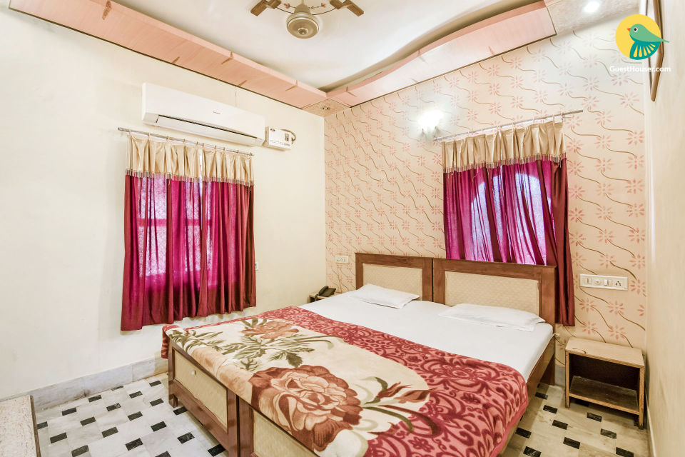 Commodious room for backpackers, close to Jaisalmer Fort