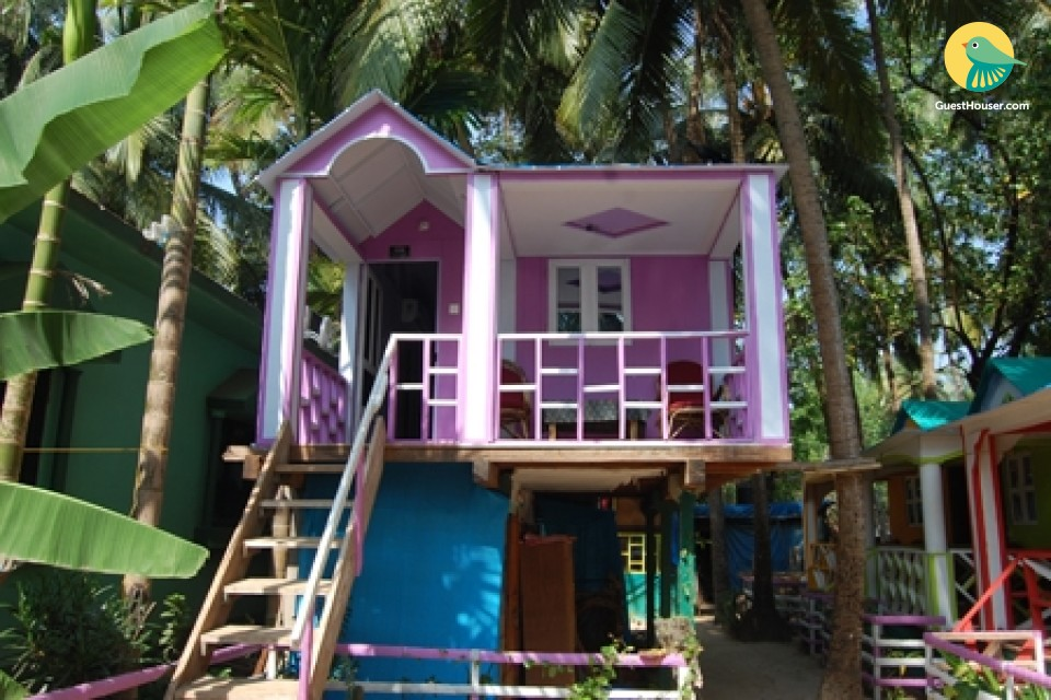 Elevated rustic hut for a backapcker's stay on Palolem beach