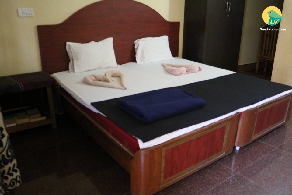 Cheerful well-furnished stay, close to Candolim Beach