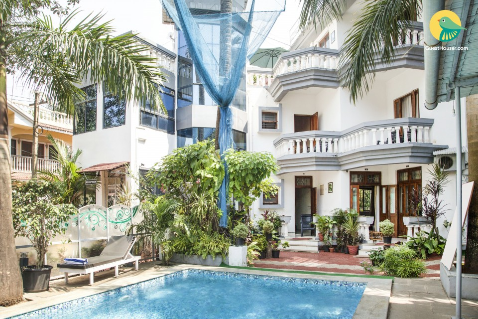 Single room with a swimming pool, 3.3 km from Calangute beach