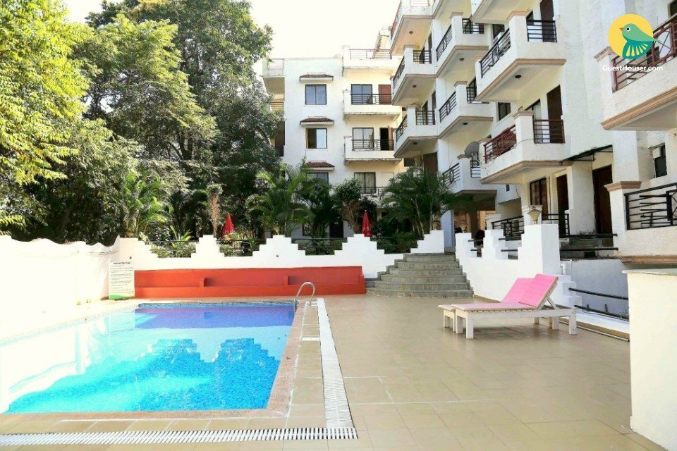 Vibrant 2-BR apartment, 1.4 km from Vagator Beach