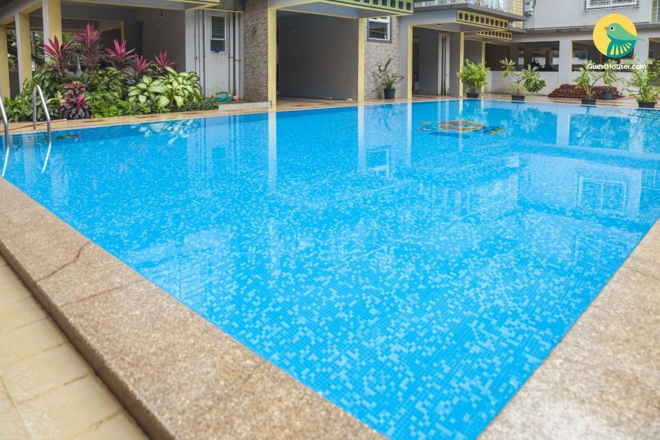 Well-furnished 2 BHK with a pool, near Candolim Beach
