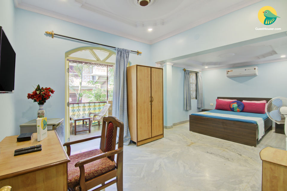 Well-furnished room for 3, near Calangute Beach