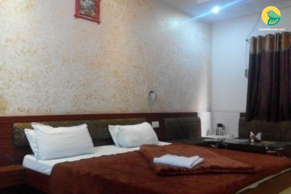Deluxe stay in Ratlam