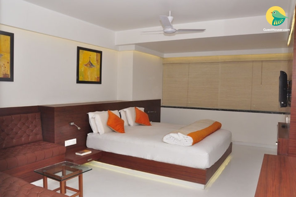 A Well furnished room in Indore