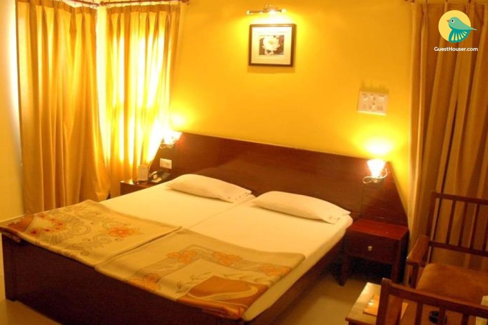 Well-appointed room for 3, near Gwalior Fort