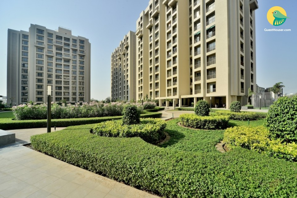 4BHK Luxury Apartment with Pool and Gym