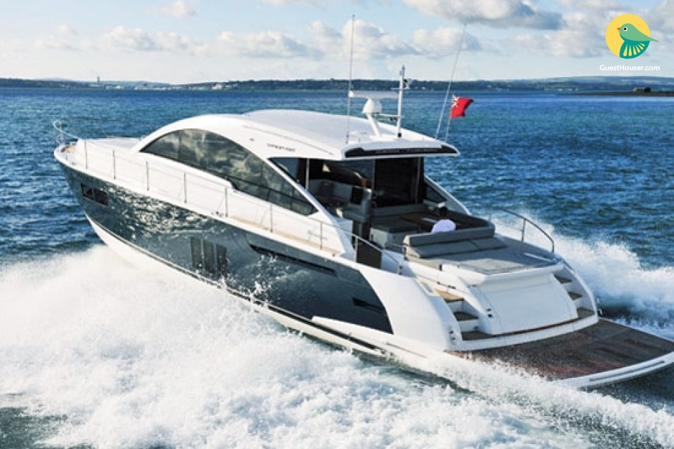 Private yacht cruising in the azure Goan waters