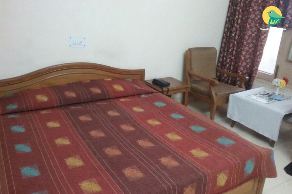 A well furnished room to stay