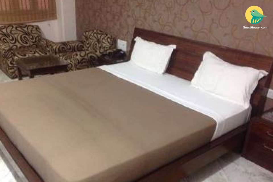 Budget stay in Satna