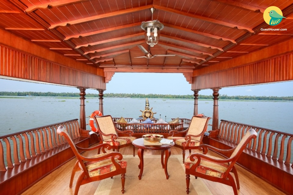 1BHK Luxurious Vintage Houseboat