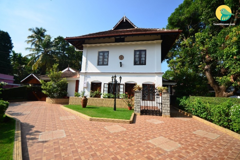 Royal stay in Heritage Bungalow