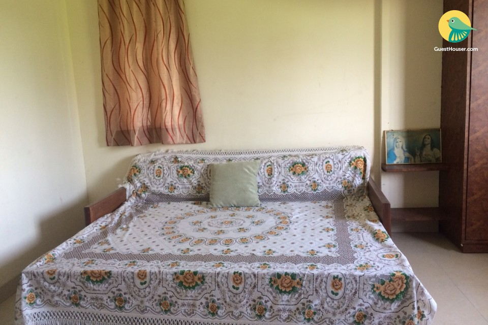 Homely 3-bedroom bungalow amidst serene nature