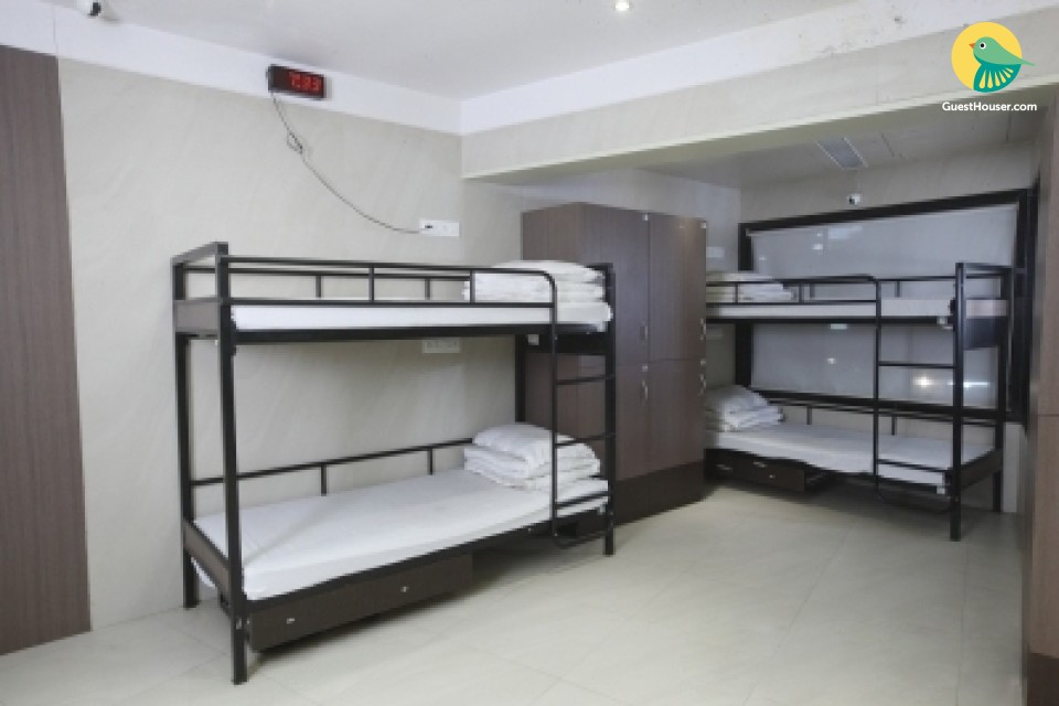Nice 4 Bedded room to Stay