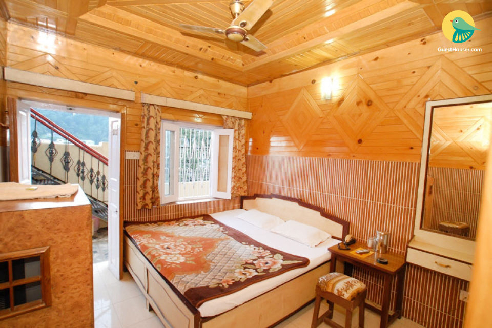 Stay for 3 near Nainital Lake