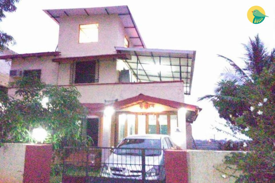 Pet-friendly 4-BR bungalow, close to Karla Caves