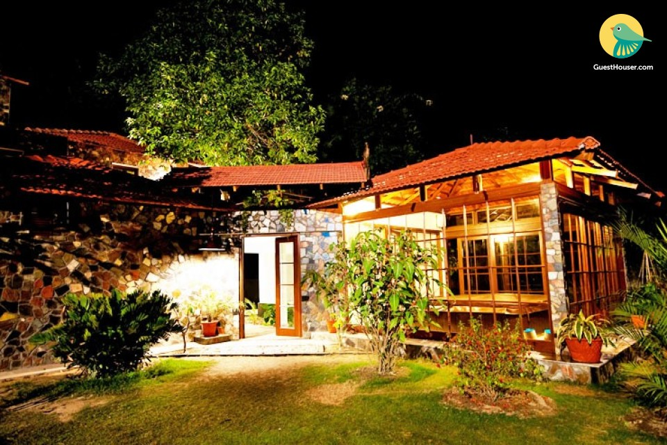 Comfortable modern homestay in a beautiful garden